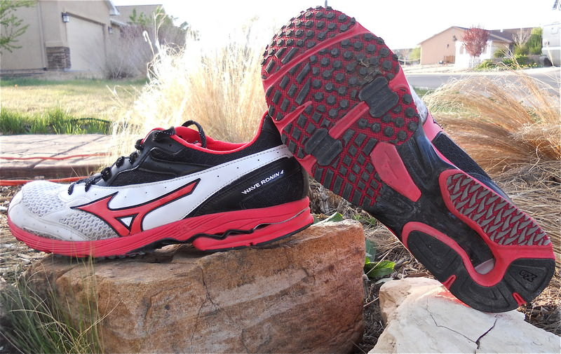 Mizuno Wave Ronin 4 Running Shoes-2